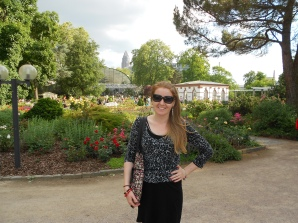Journalist Lisa Hughes at the botanic garden Frankfurt